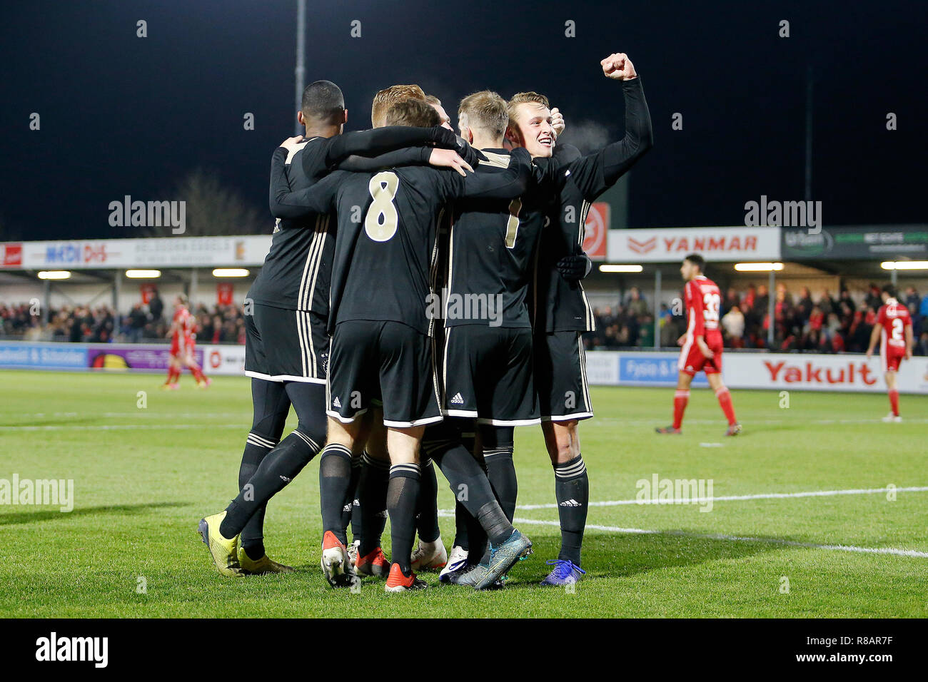 Keuken Kampioen Almere : Almere yanmar stadion saison