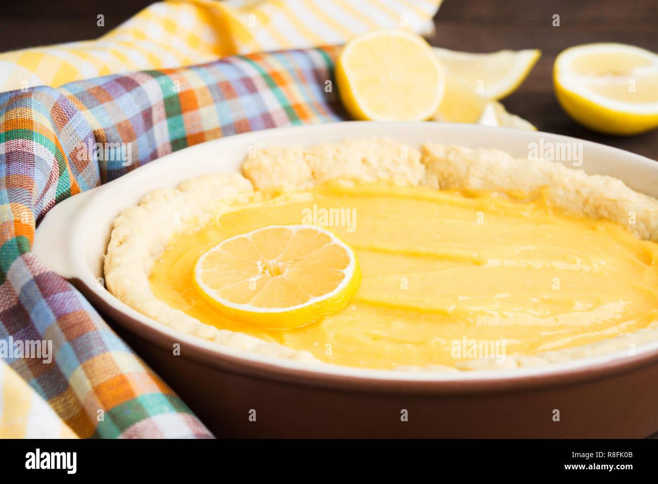 Kuchen Mit Lemon Curd Bereit Die Fur Das Backing Rezept Konzept