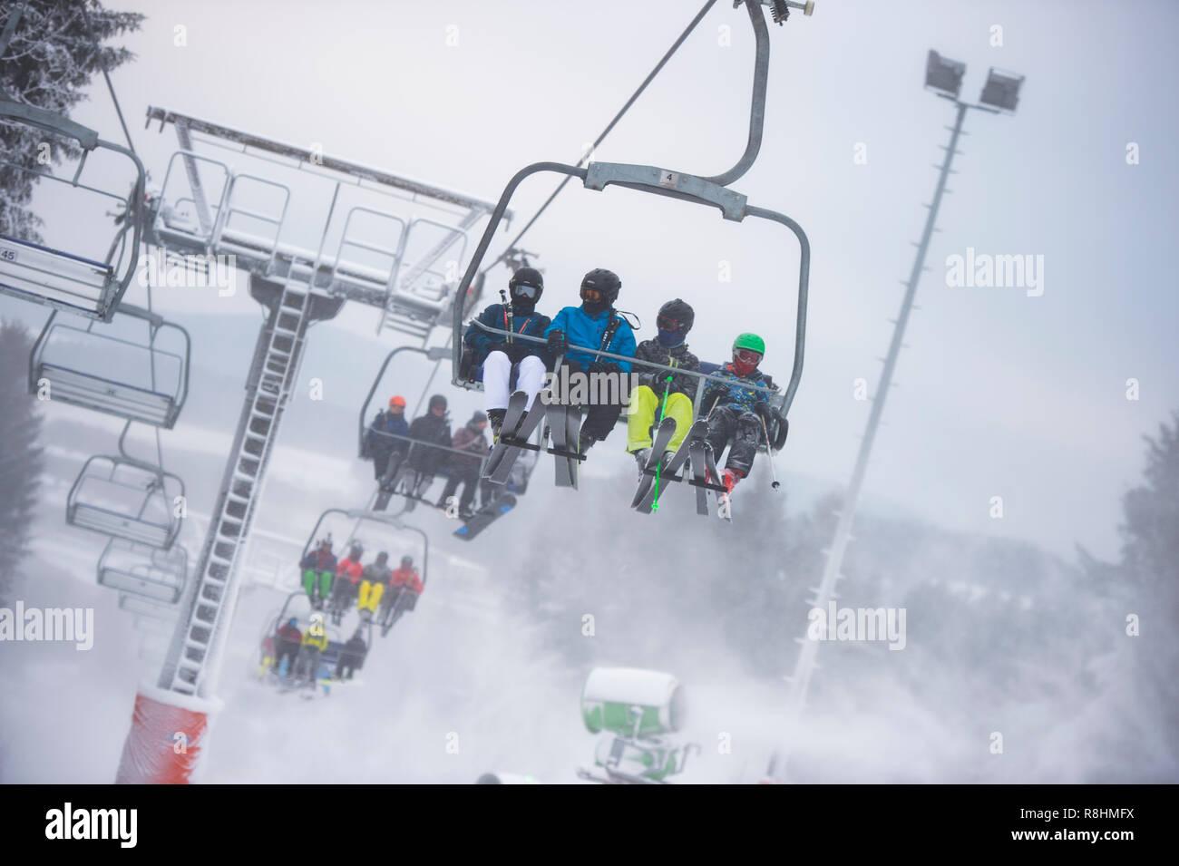 Winterberg Deutschland 15 Dez 2018 Skifahrer Sitzen Auf Einem