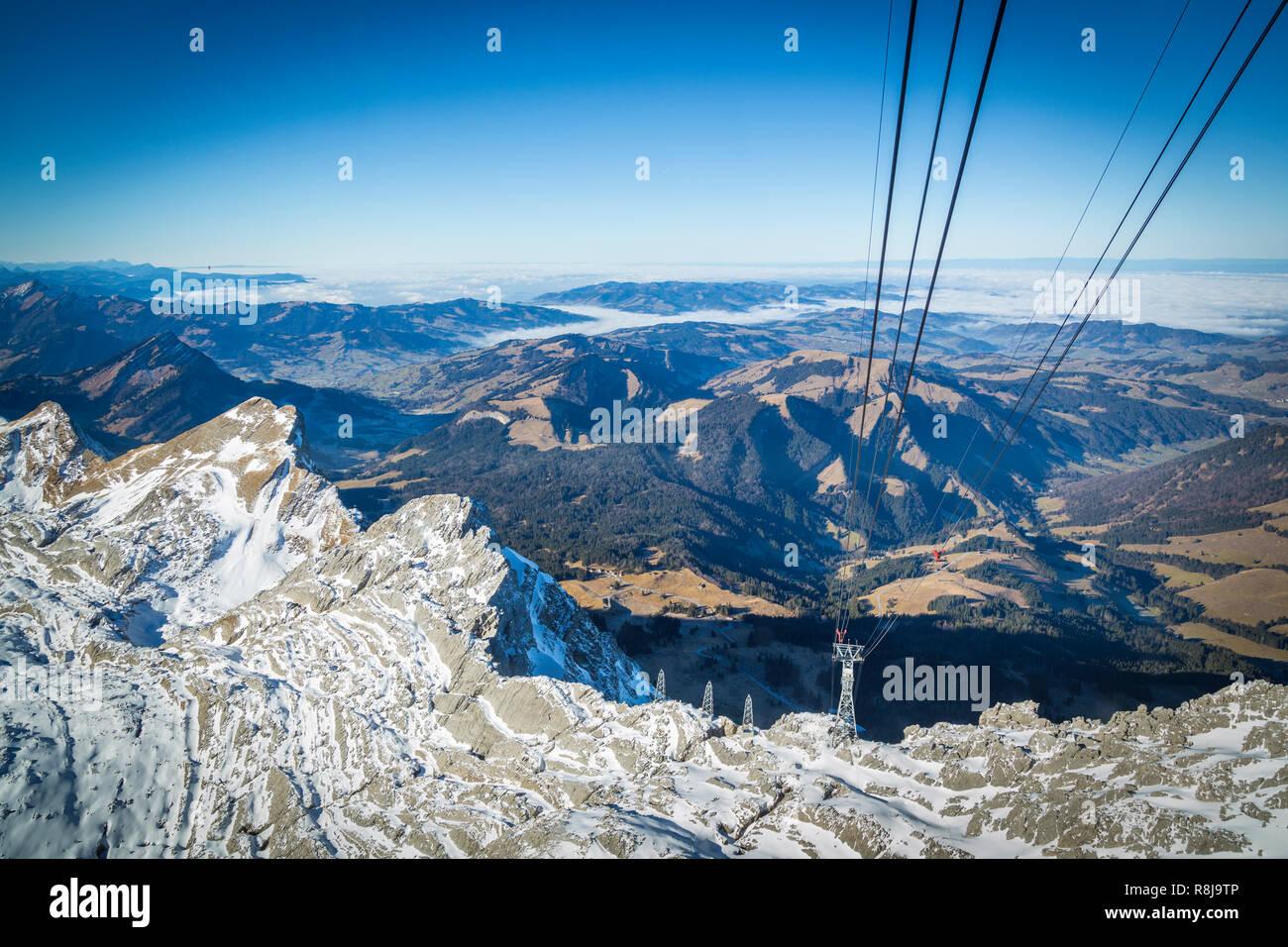 Mit der Seilbahn auf den Säntis der Schweizer Alpen Stockbild