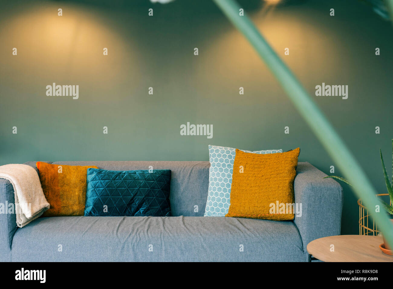 Gelben Und Wohnzimmer Sofa Wand Kissen Modernes Grüne WE2IDYHe9
