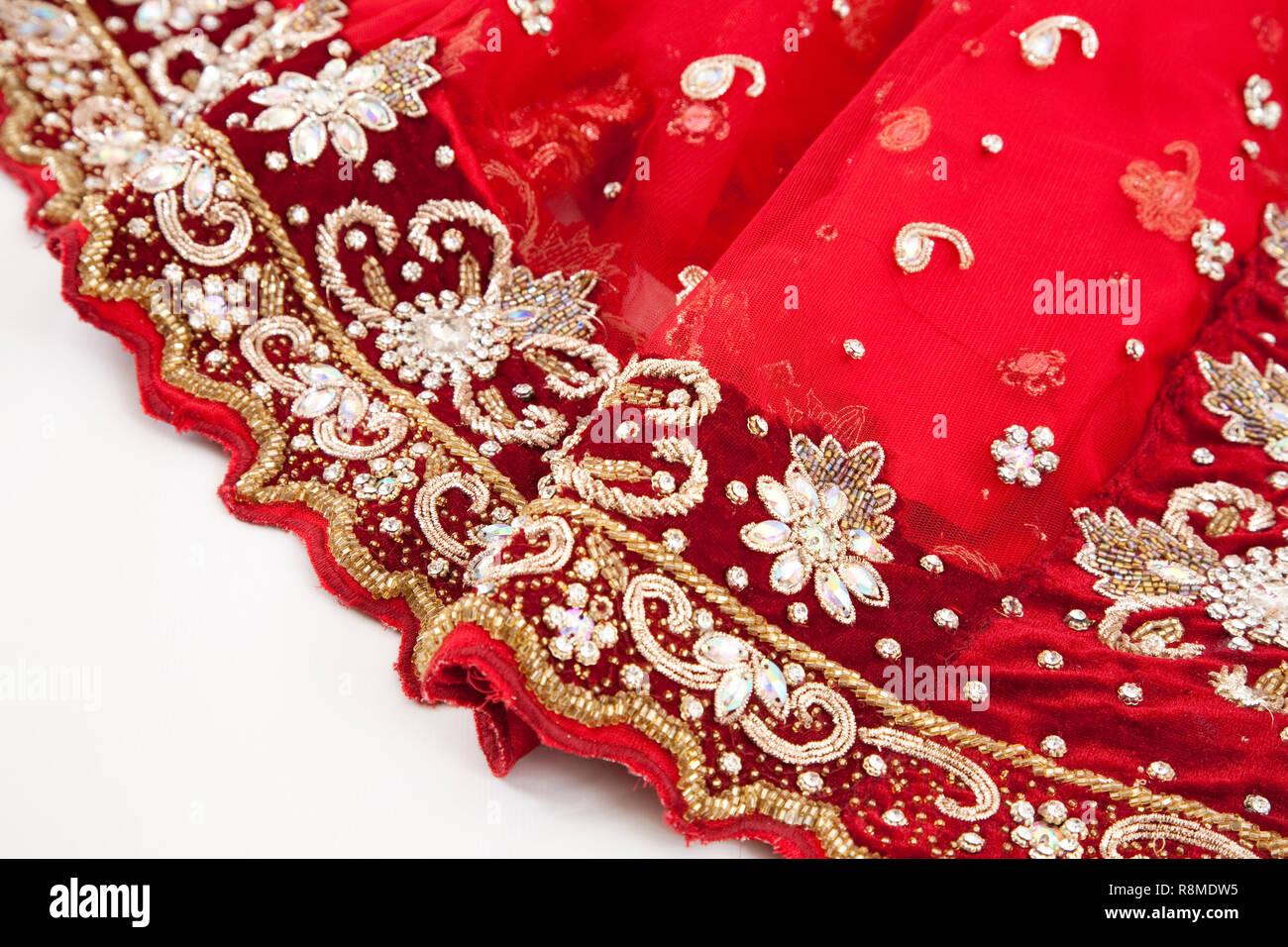 Rot Hochzeit Saree mit detaillierten Stickerei Stockbild