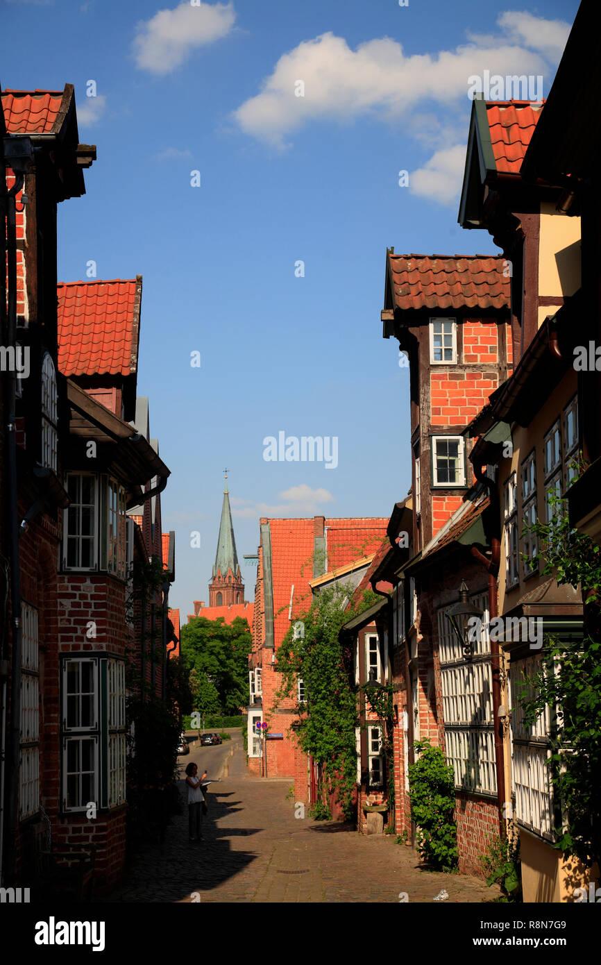 Häuser in der Straße auf dem Meere, Altstadt, Lüneburg, Lüneburg, Niedersachsen, Deutschland, Europa Stockbild