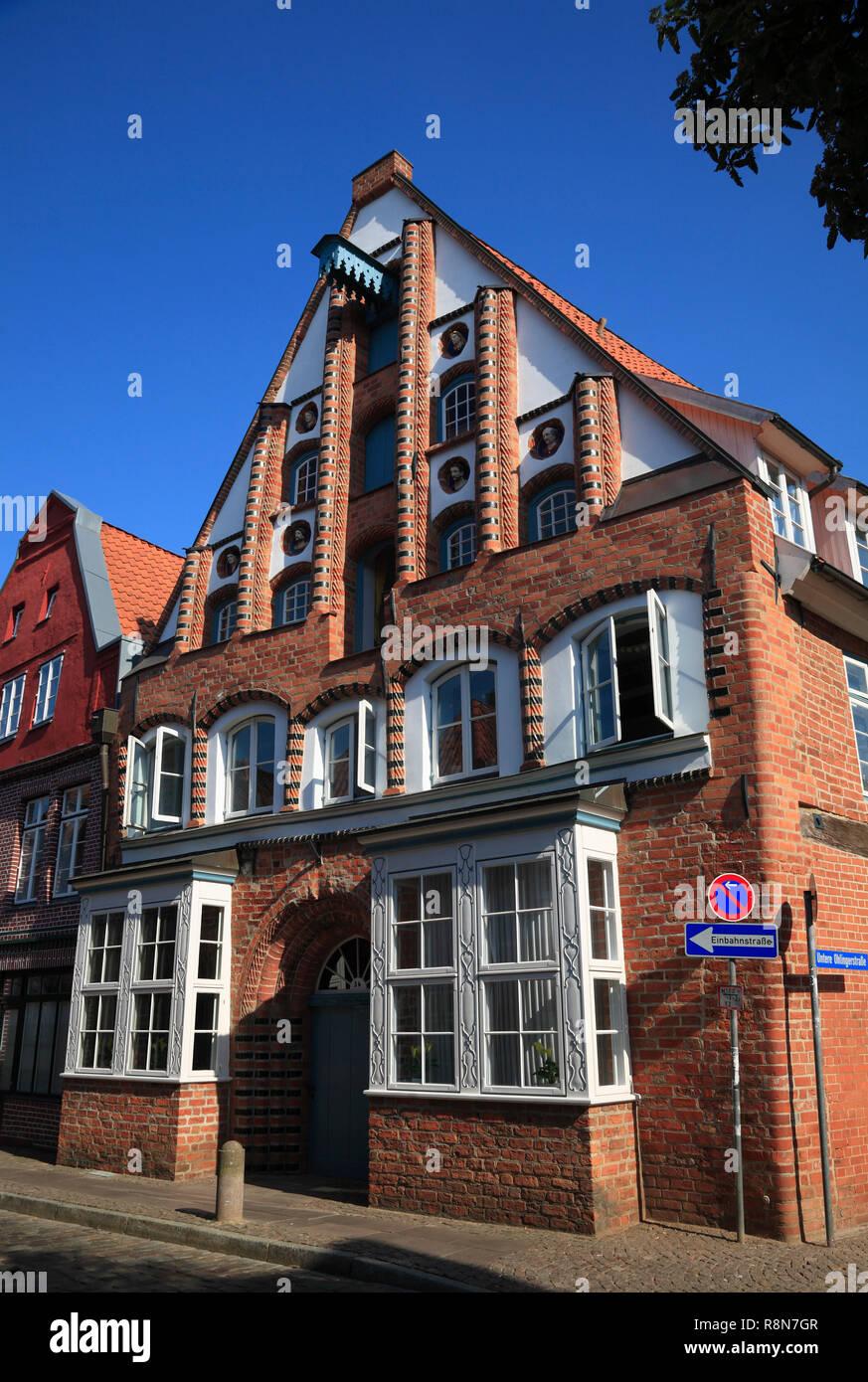 Haus in der Straße auf dem Meere, Altstadt, Lüneburg, Lüneburg, Niedersachsen, Deutschland, Europa Stockbild
