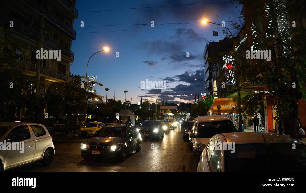 Ein gewöhnlicher Abend in Pireus, Athen. Als ich zurück war zu Fuß zu meinem Hotel nach einem anstrengenden Tag zu erleben, inspirierende historischen Stätten von Athen. Stockbild