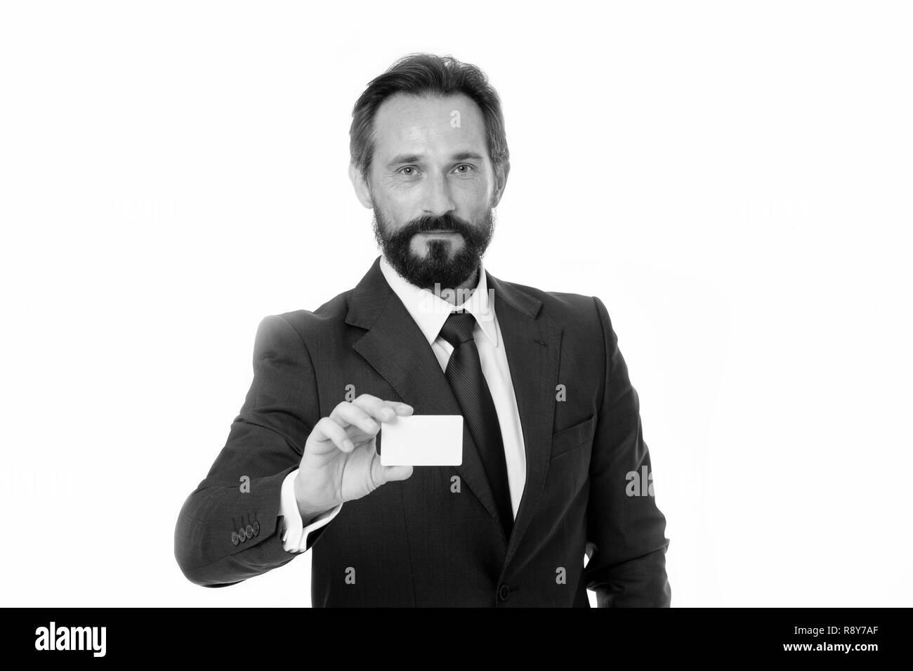 Darf ich mich vorstellen. Fühlen Sie sich frei, mit mir in Kontakt zu treten. Kaufmanns Platzhalterkarte aus Kunststoff. Unternehmer trägt Business Card. Custom design Karte einzigartig. Diese Nummer anrufen. Kontakt für die Zusammenarbeit. Stockbild