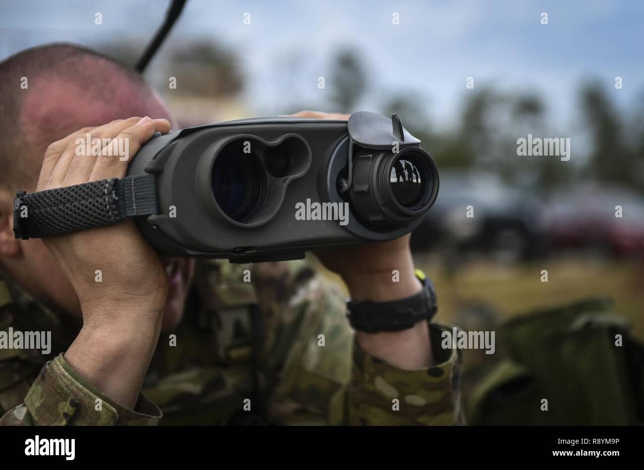 Laser Entfernungsmesser Militär : Laser rangefinder stockfotos bilder alamy