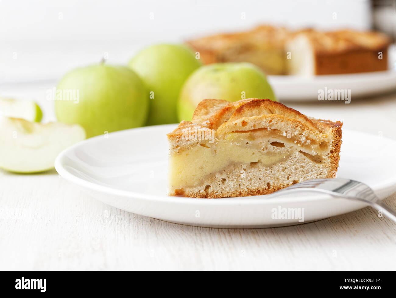 Closeup Stuck Hausgemachten Vanillepudding Torte Mit Apfel Und Zimt