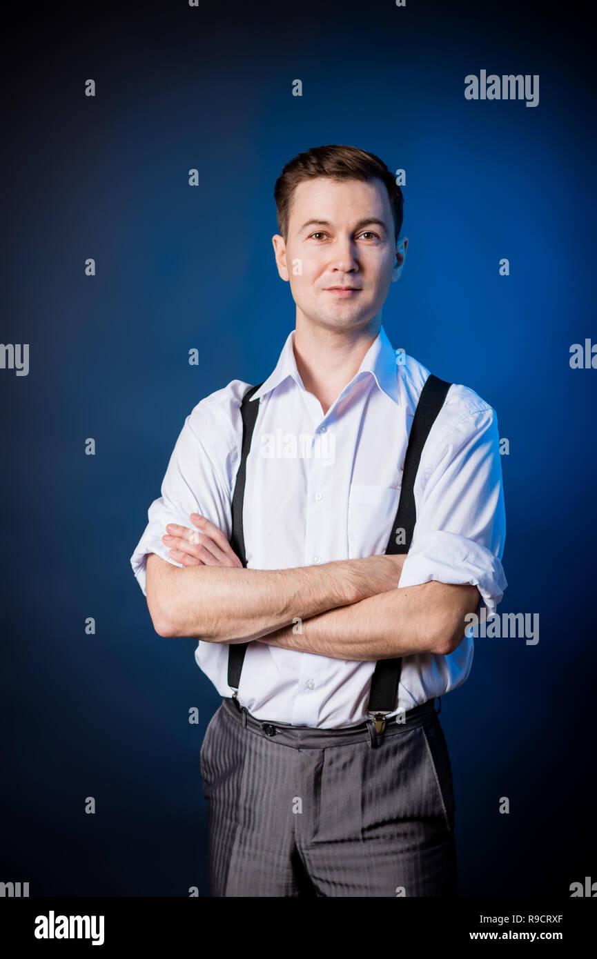 Mann Im Weissen Hemd Hosentrager Und Hose Bekleidung Amerikaner