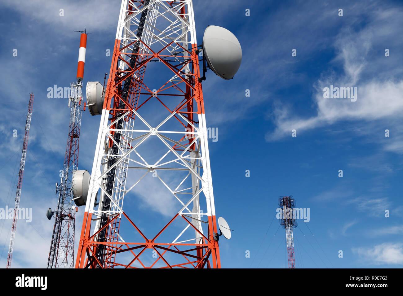 Verschiedene Arten Der Kommunikation Antennen Und Roten Und Weissen