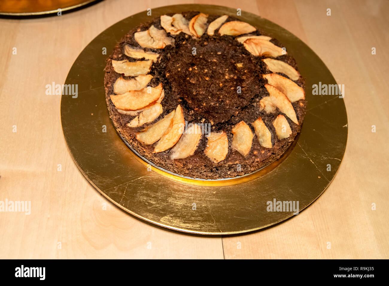 Traditionelle Buchweizen Torte Mit Apfelscheiben Auf Goldenen