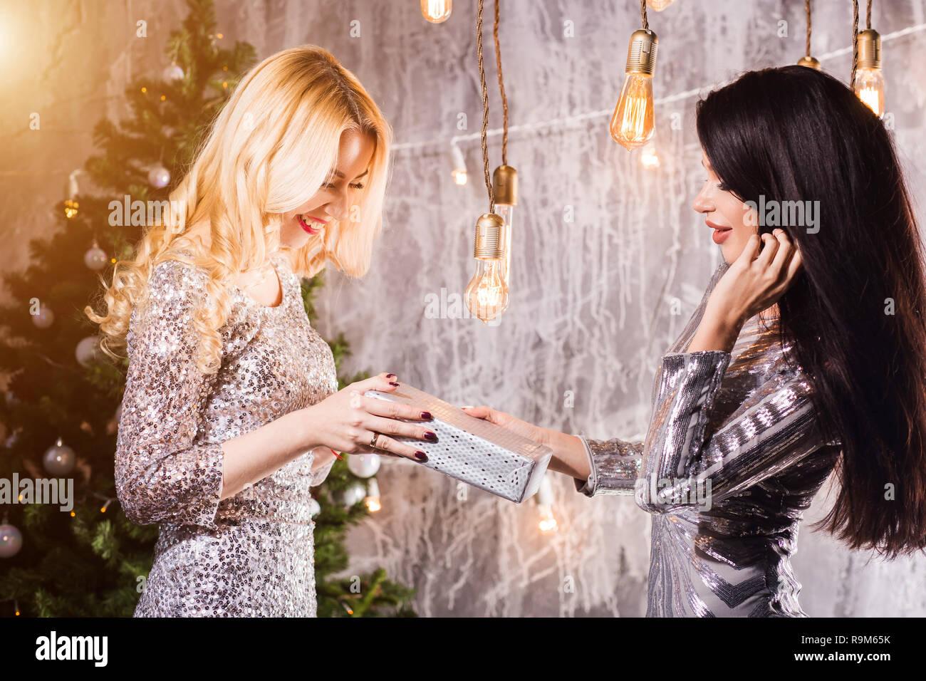 Andere Weihnachtsgeschenke.Positiv Erfreut Frauen Jede Andere Weihnachtsgeschenke Neues Jahr