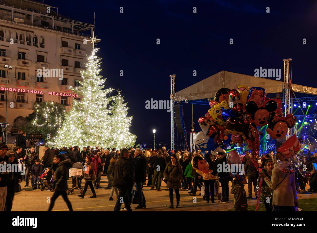 Weihnachten In Griechenland Bilder.Thessaloniki Griechenland Weihnachten 2018 Dekorationen Aristoteles