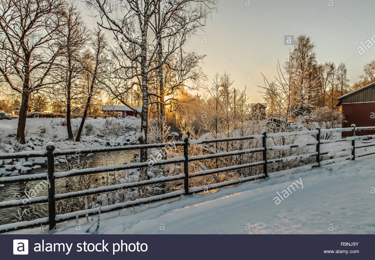 Schwedische Winterlandschaft mit magische Lichter Stockbild