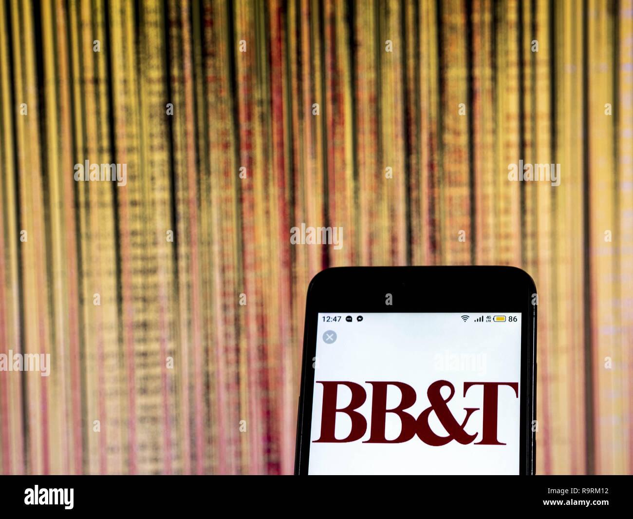 Kiew, Ukraine. 20 Dez, 2018. BB&T Bank Holding Company Logo gesehen auf einem Smartphone angezeigt. Quelle: Igor Golovniov/SOPA Images/ZUMA Draht/Alamy leben Nachrichten Stockbild