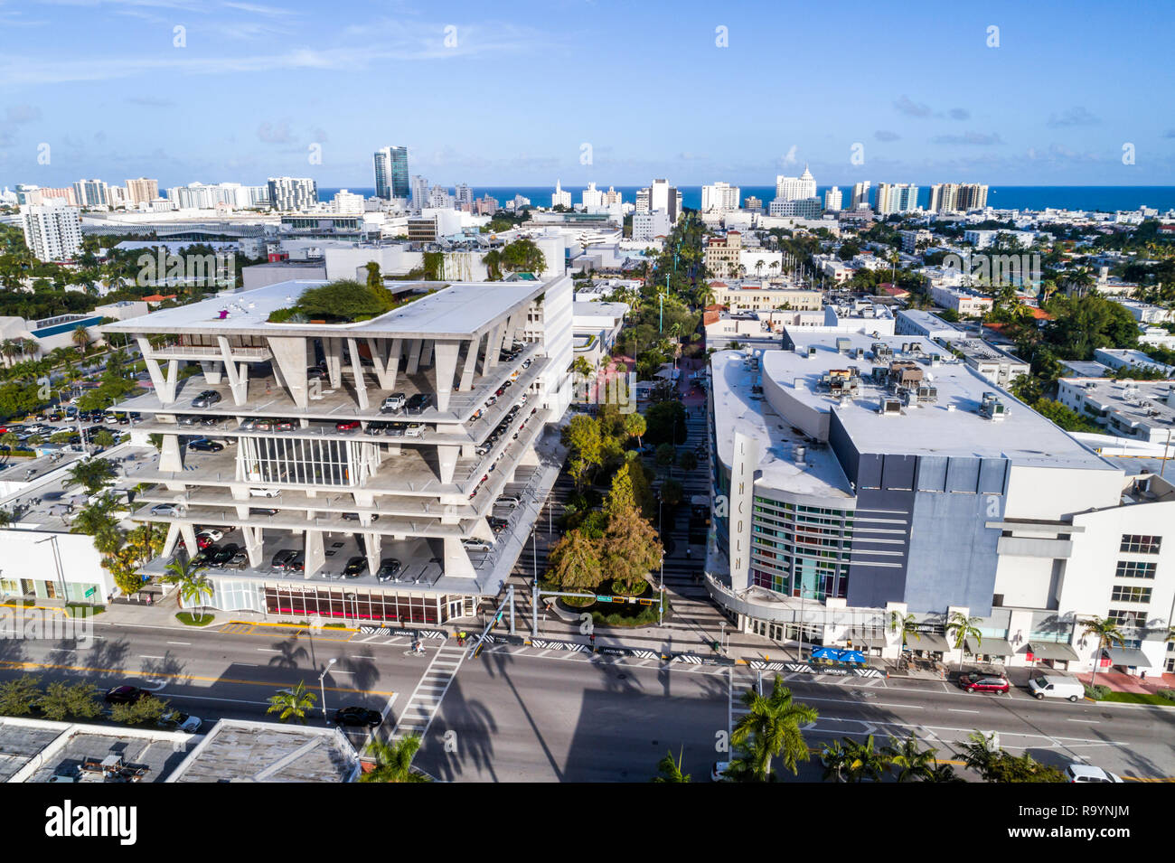 Miami Beach, Florida Alton Road Fußgängerzone Lincoln Road Mall Shopping LAZ Parking Garage 1111 Lincoln Kino Regal Cinemas South Beach 18 und IMAX Stockbild