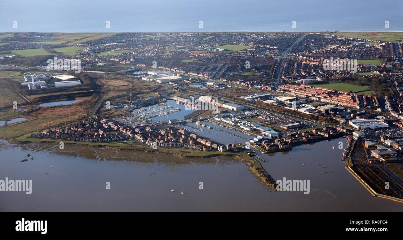 Luftaufnahme über den Fluss Wyre in Richtung Fleetwood in Lancashire Stockbild