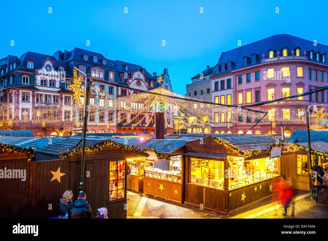 Weihnachtsmarkt Mainz.Weihnachtsmarkt Mainz Deutschland Stockfoto Bild 229925034 Alamy