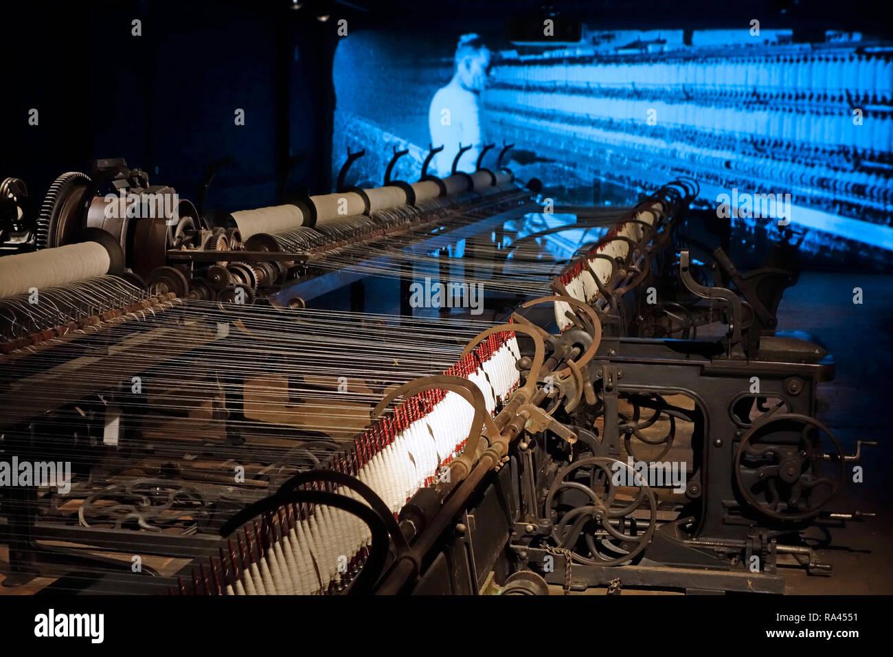 24 Meter lange selfactor, self-acting Spinning Mule bei MIAT/Industriemuseum, industrielle Archäologie Museum, Gent, Belgien Stockbild