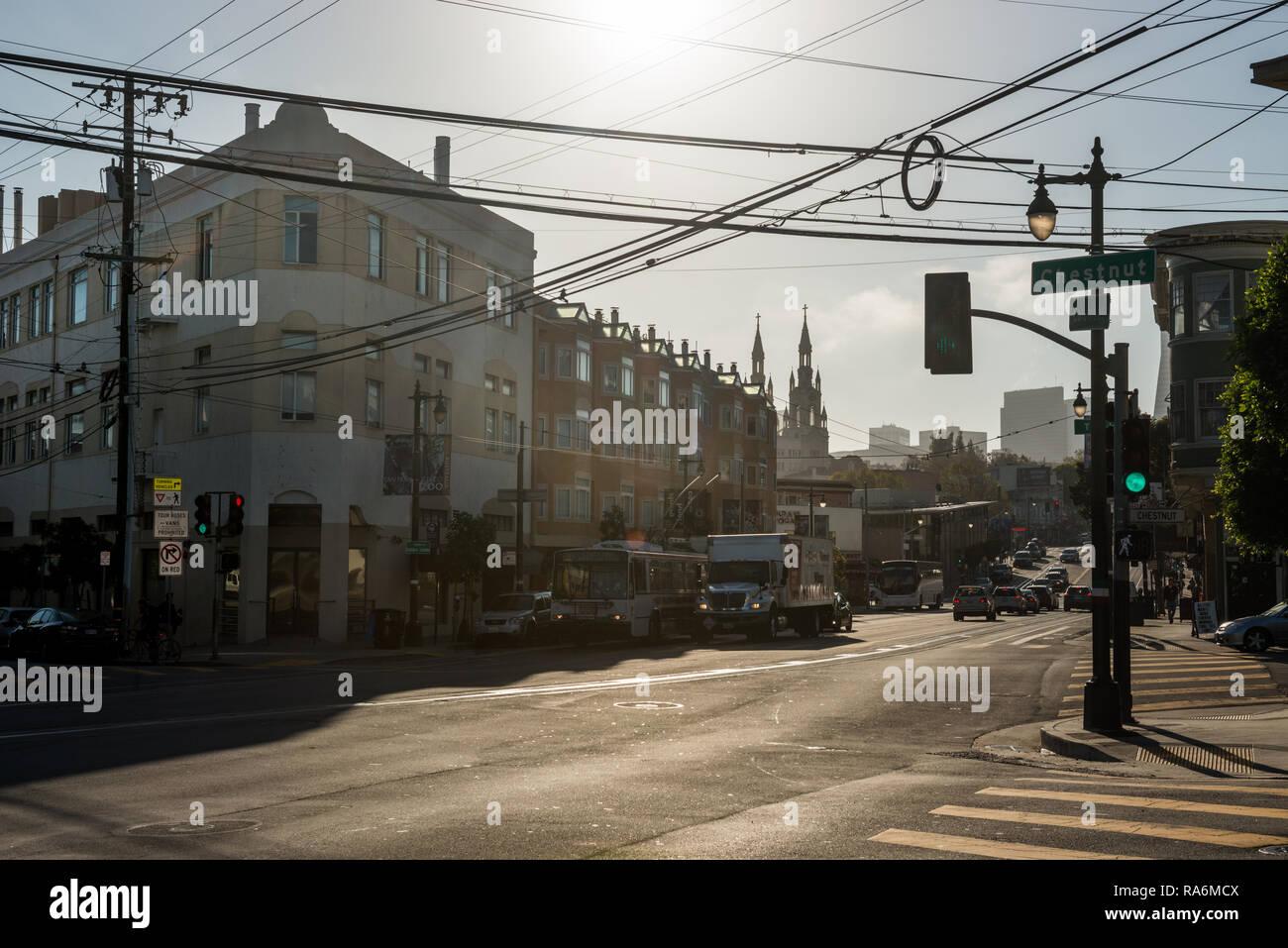 Blick auf eine typische Straße in San Francisco, Kalifornien, USA Stockbild