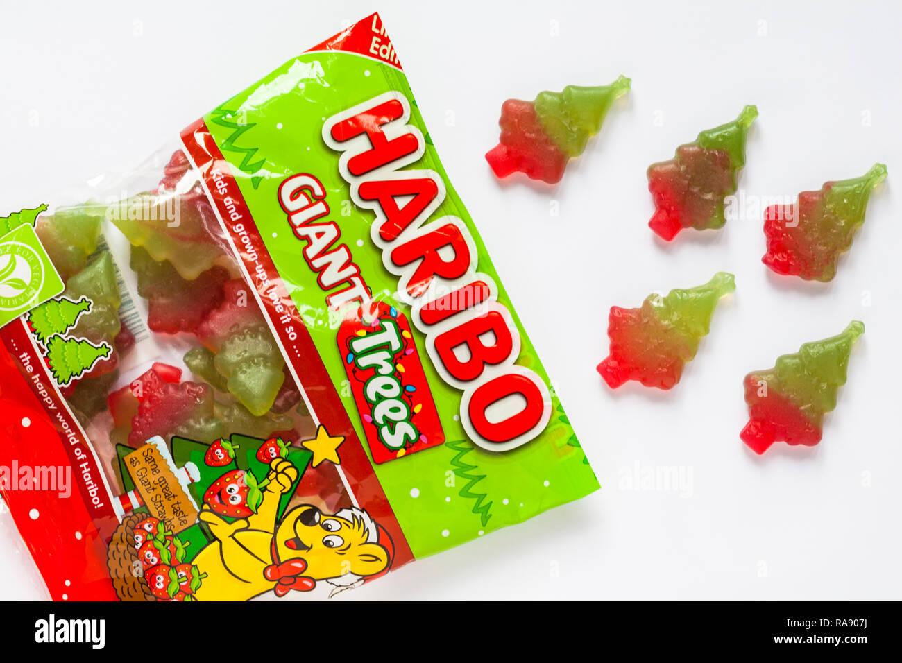 Haribo Weihnachten.Paket Der Limited Edition Haribo Riesige Bäume Geöffnet Mit Inhalt