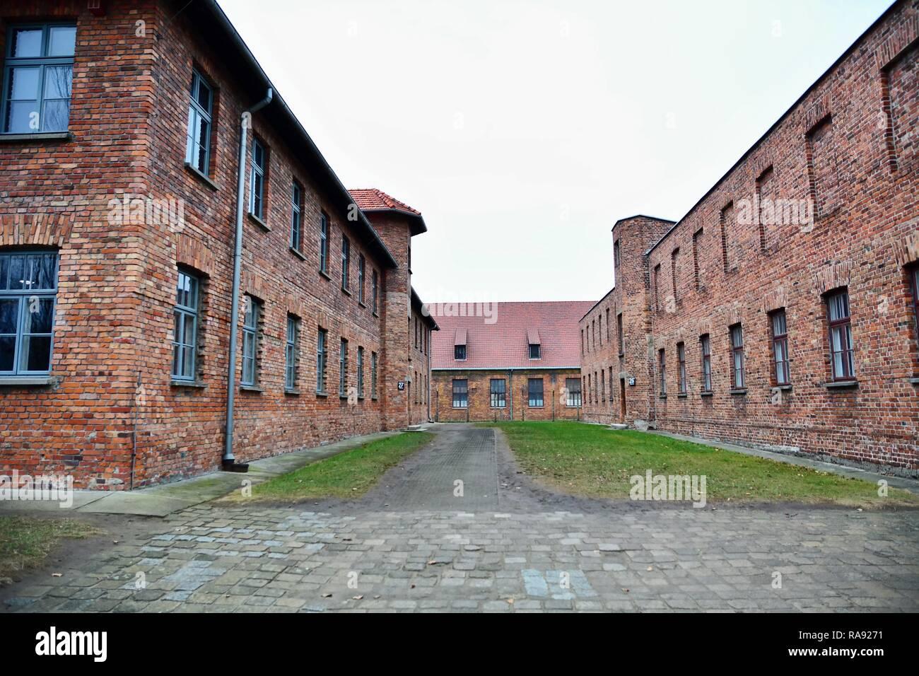 OSWIECIM, Polen - 07 Dezember, 2018: Auschwitz I Holocaust Memorial Museum. Auschwitz I ist das Lager der nationalsozialistischen Konzentrations- und Vernichtungslager Stockbild