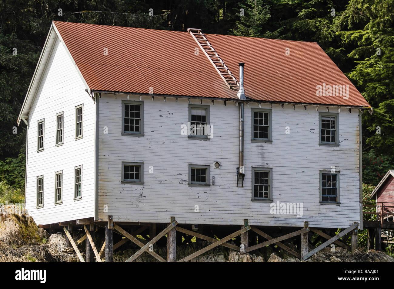 Bleibt Eines Verlassenen Lachs Cannery Stadt In Sitkoh Bay