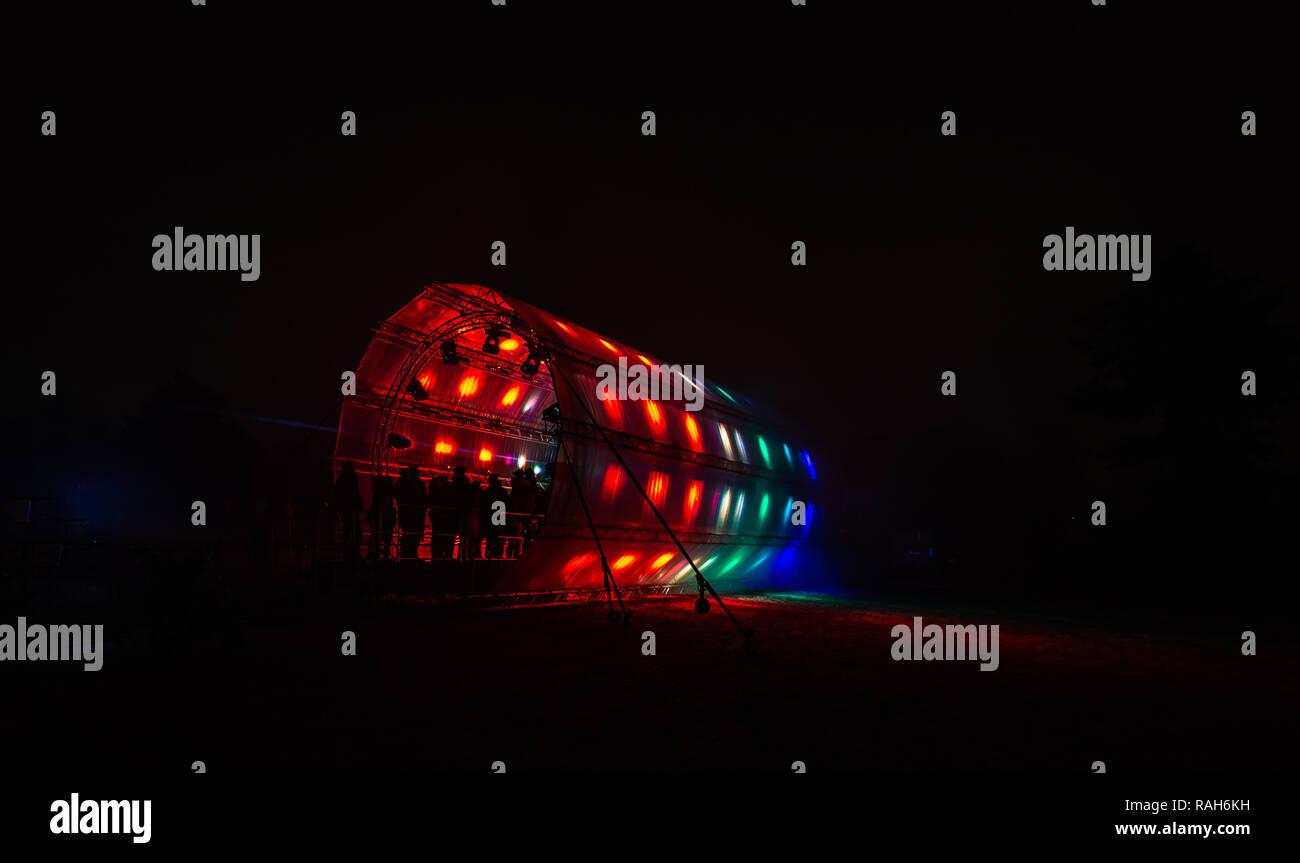 Verrassend Futuristische abstrakte leuchtenden bunten photon Tunnel von DMX YL-67