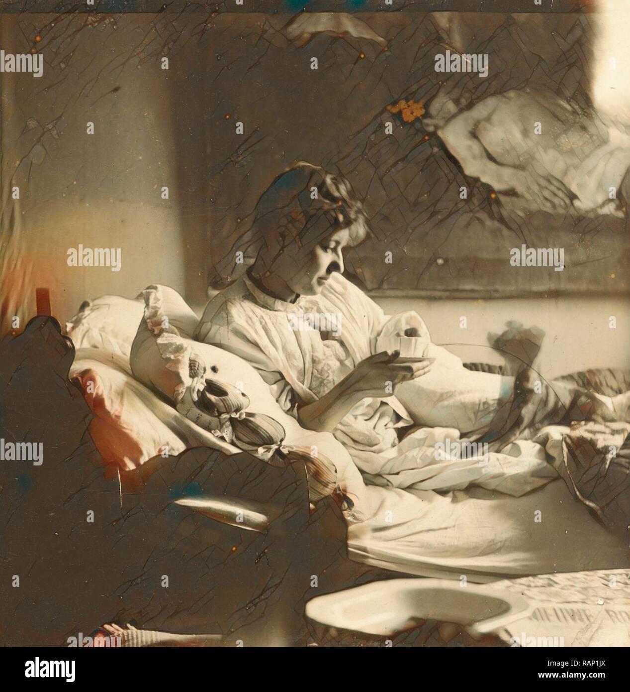 61b98a27cd1e Marie Jordan gekleidet im Bett sitzen mit einer Tasse in der Hand ...
