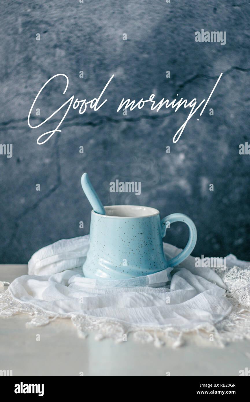 Heißer Kaffee In Einem Schönen Pastelltönen Becher Mit