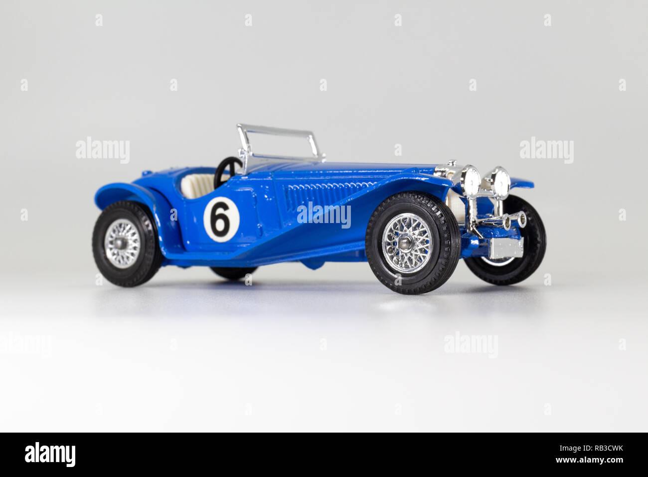 Antikspielzeug Suiza 1938 Matchbox Made In England By Lesney Nr 9 Spielzeug Neueste Kollektion Von Hispano
