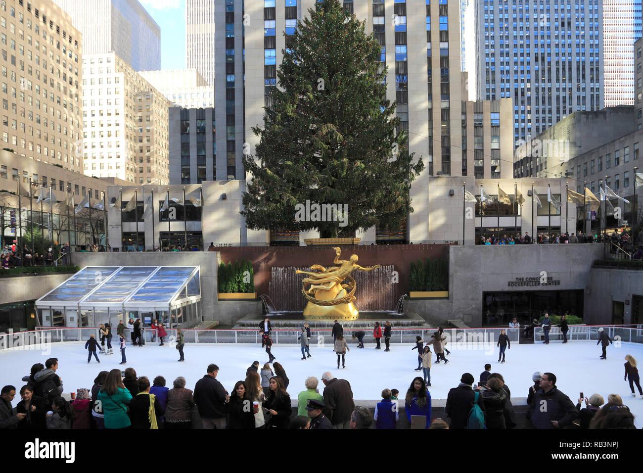 Wo Steht In New York Der Weihnachtsbaum.Eislaufbahn Weihnachtsbaum Rockefeller Center Manhattan New York