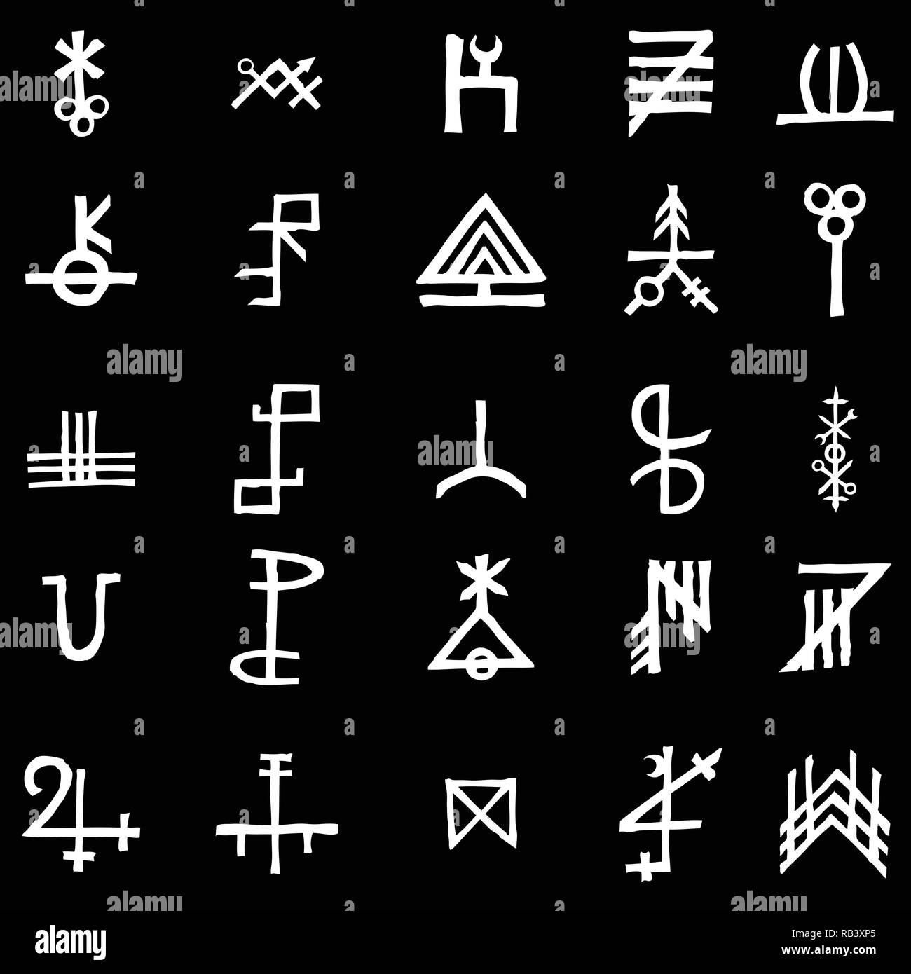 Set mit mystischen und okkulten Symbolen. Hand gezeichnet und Alphabet Zeichen geschrieben. Spirituelle Masonic tattoo Ideen. Vektor. Stockbild
