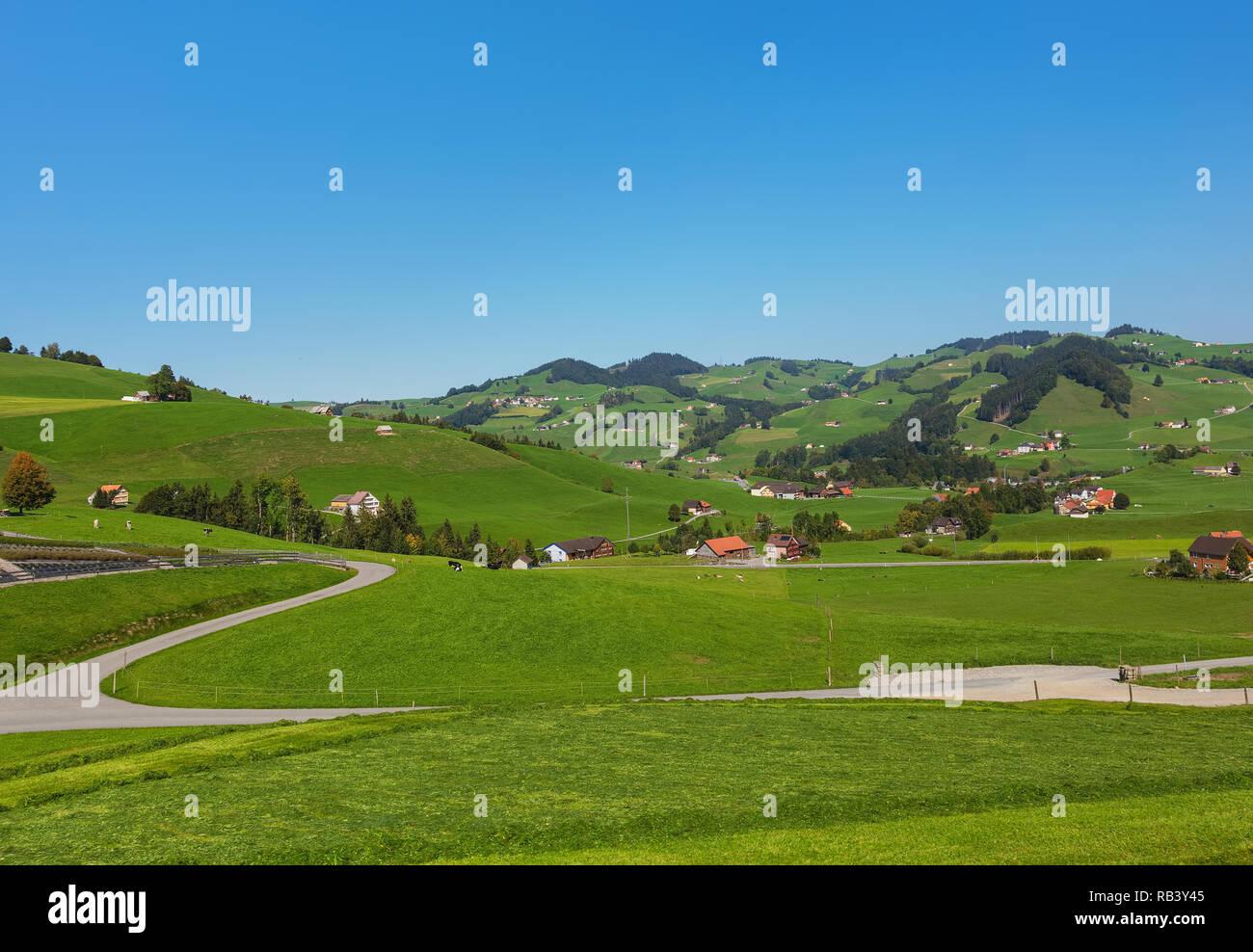 Auf dem Land in der Schweiz im Herbst - ein Bild im September in der Nähe von Appenzell. Stockbild