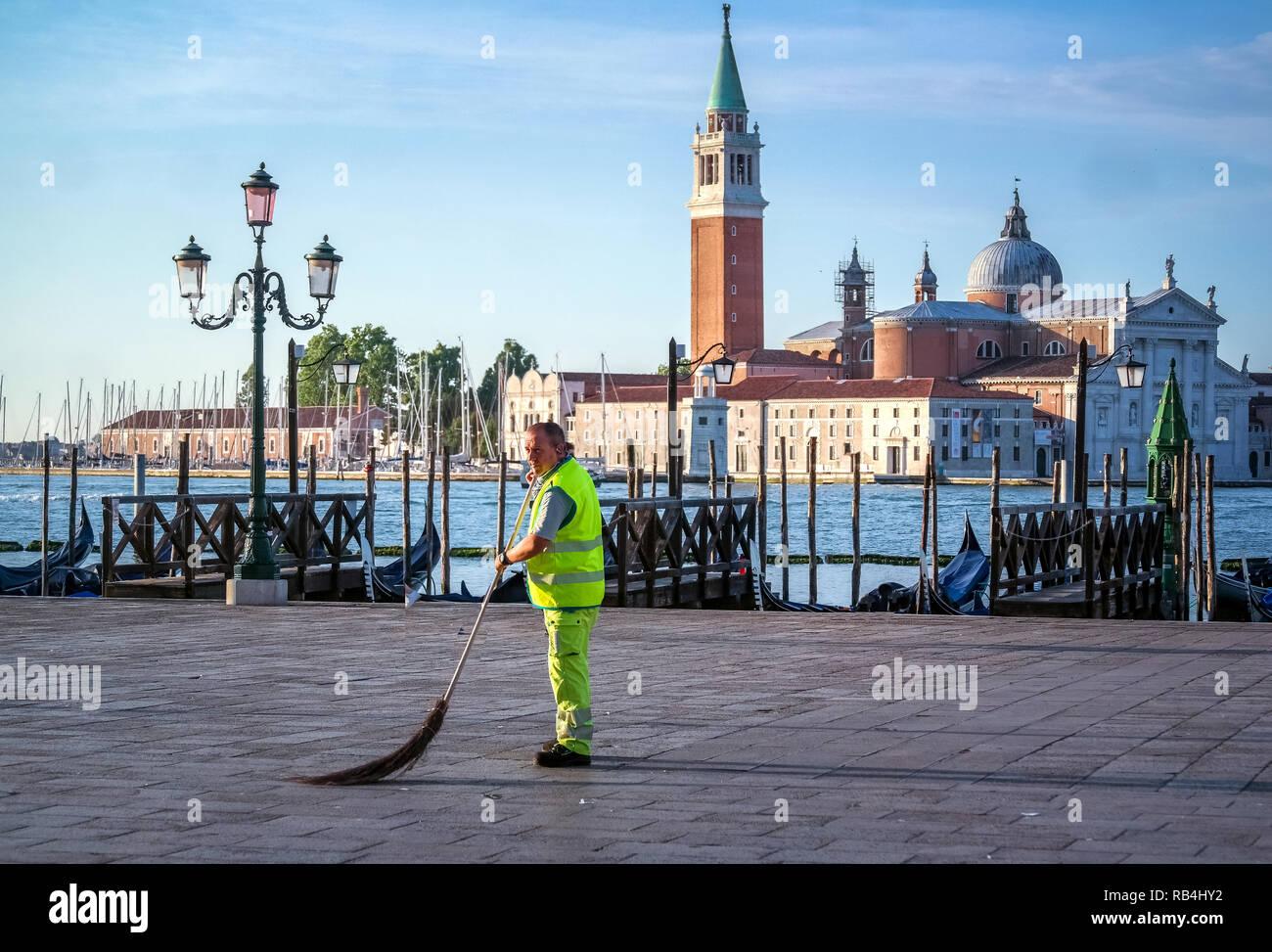 Venedig Arbeiter am Morgen Stockbild