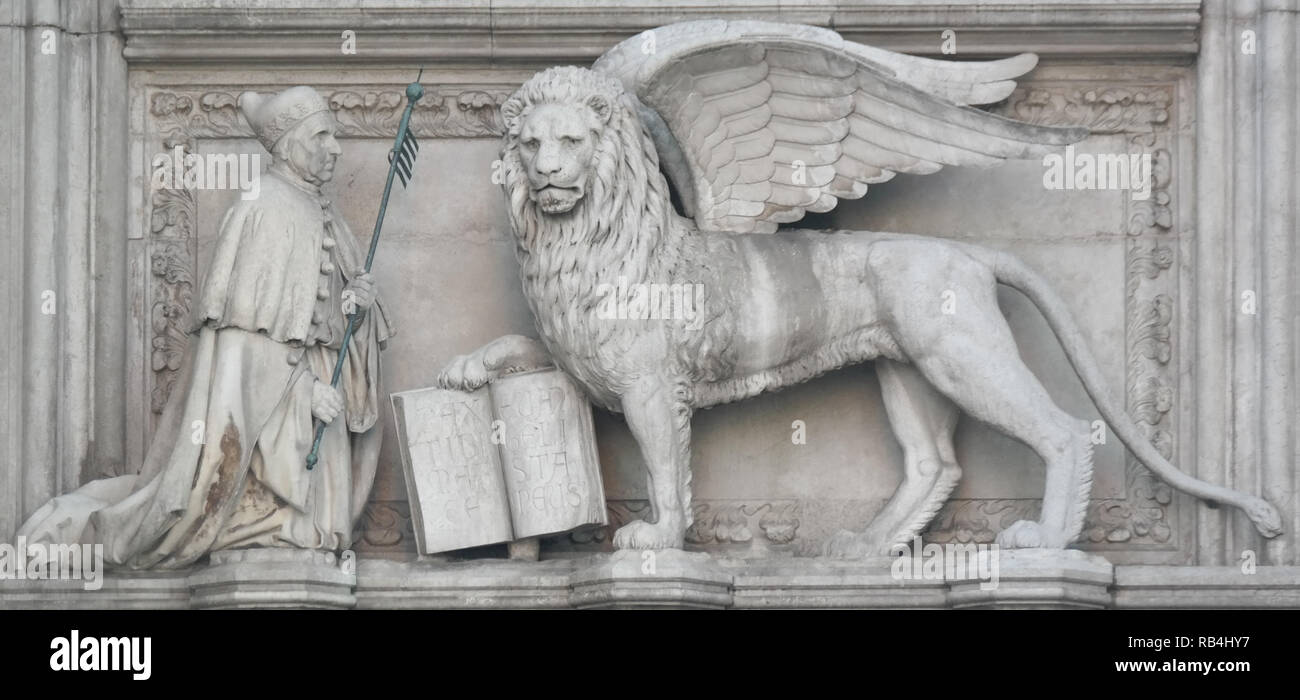Venedig, Porta della Carta, Markuslöwe Stockbild