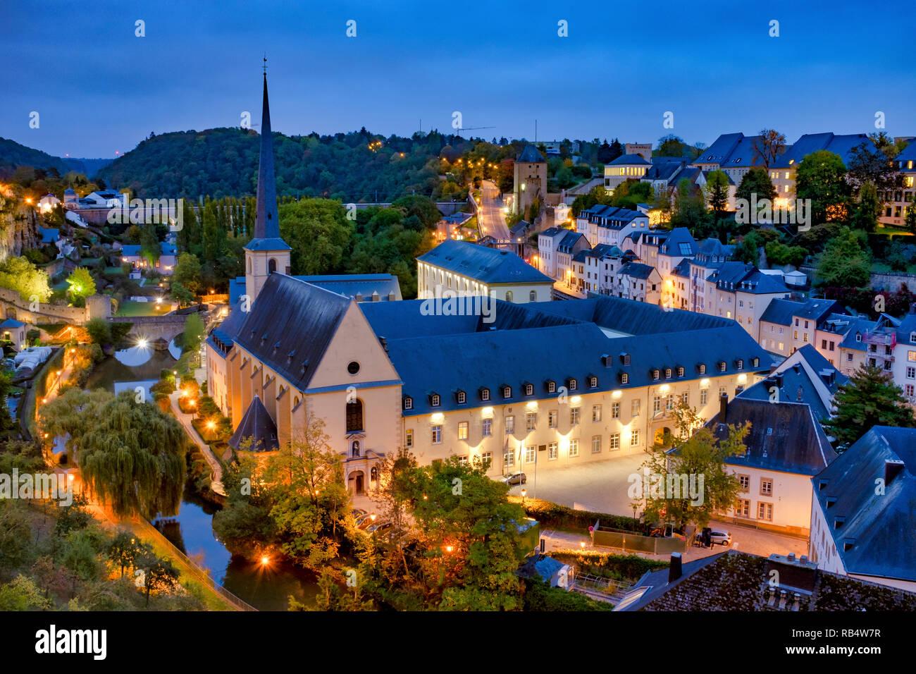 Skyline der Stadt Luxemburg gesehen über den Grund Quartal Stockbild