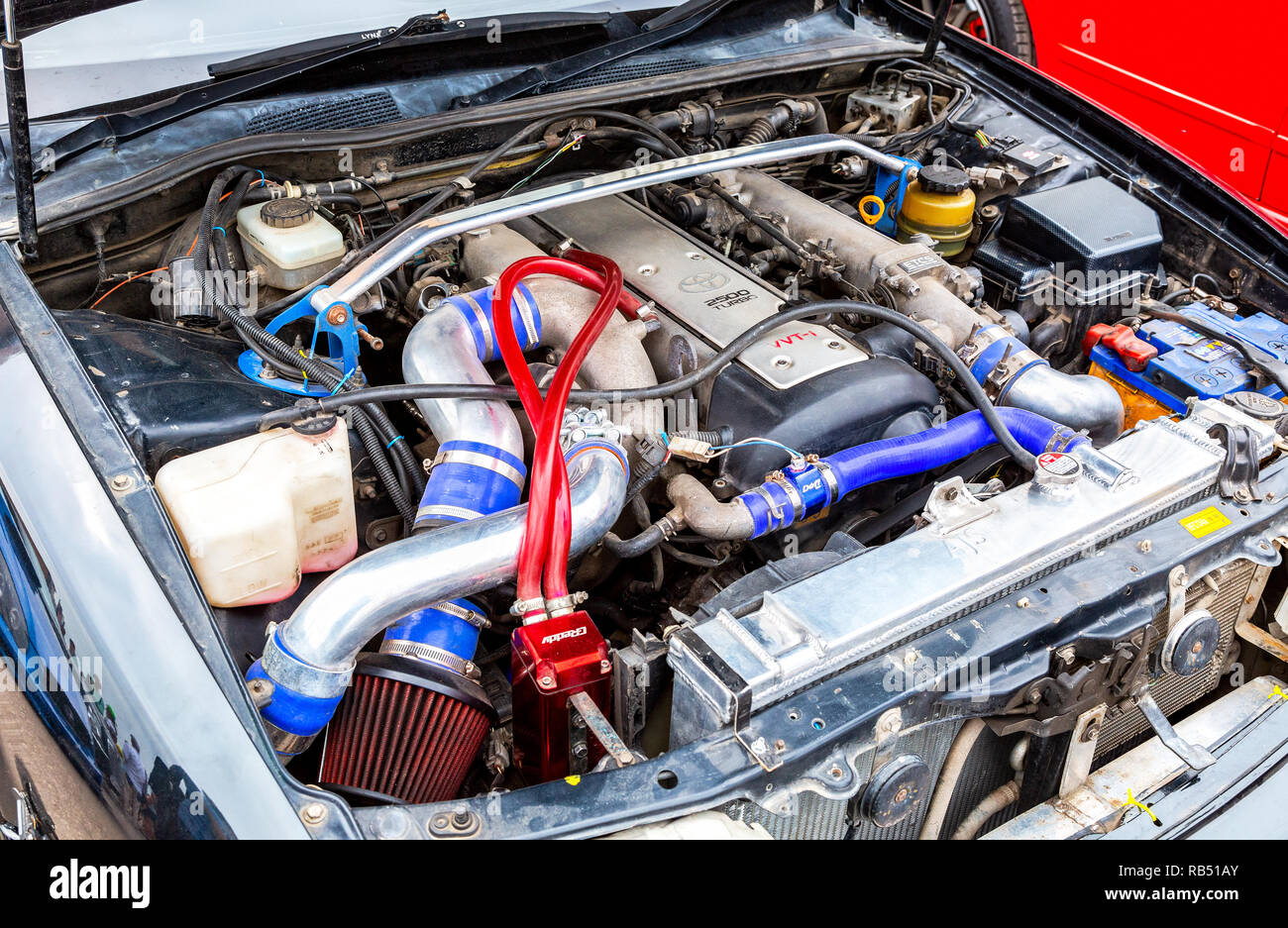 Samara, Russland - 19. Mai 2018: Getunten turbo Auto Motor von Toyota in Lada, unter der Haube des Fahrzeugs Stockbild
