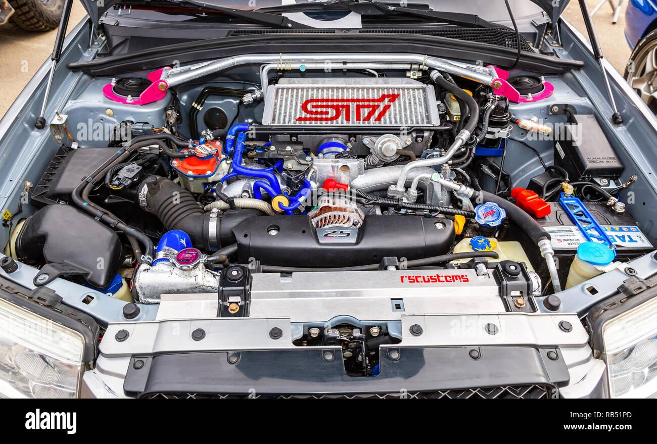 Samara, Russland - 19. Mai 2018: Getunten turbo Auto Motor von Subaru Fahrzeug, unter der Haube des Fahrzeugs Stockbild