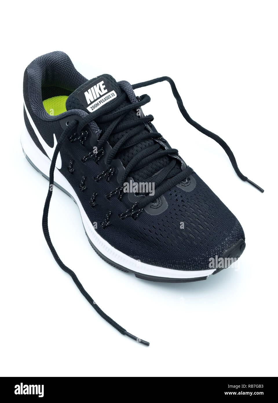 Schwarz Weiß Nike Turnschuhe Stockfotos & Schwarz Weiß Nike