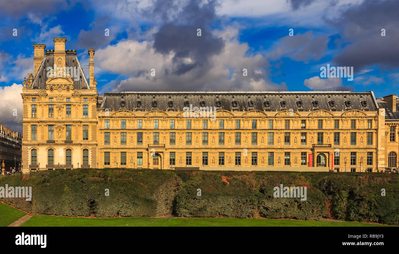 Prachtvolle barocke Fassade des berühmten Museum der Dekorativen ...