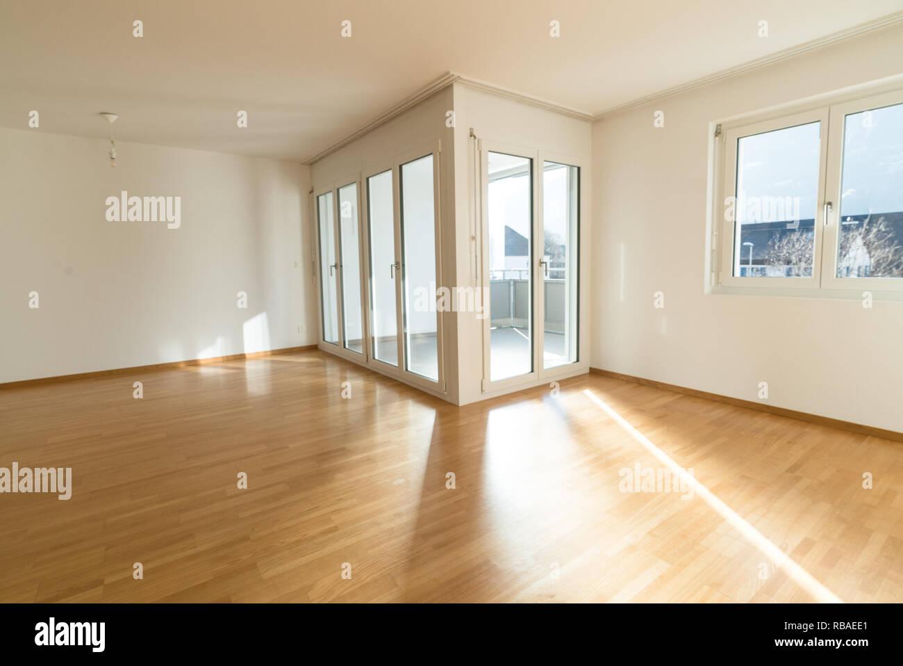 Neuen Hellen Wohnzimmer In Eine Leere Wohnung Mit Franzosischen