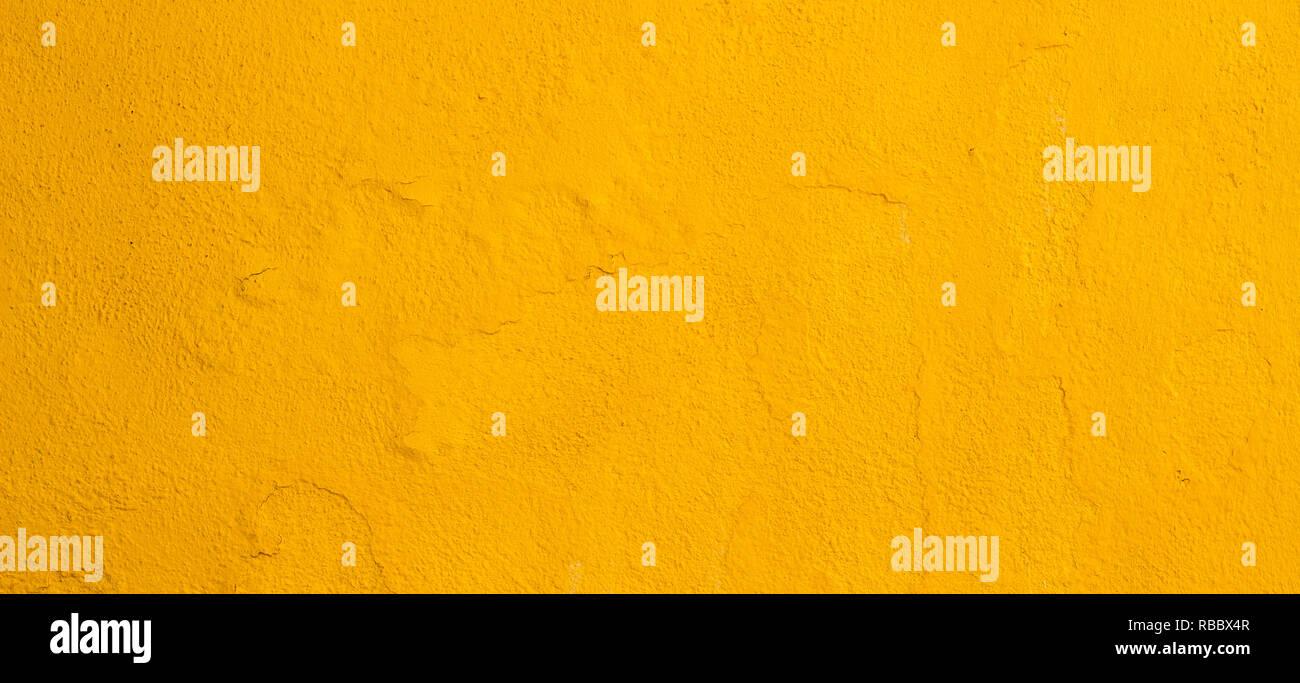 Bekannt Gelb Gestrichene Wand Stockfotos & Gelb Gestrichene Wand Bilder NA76