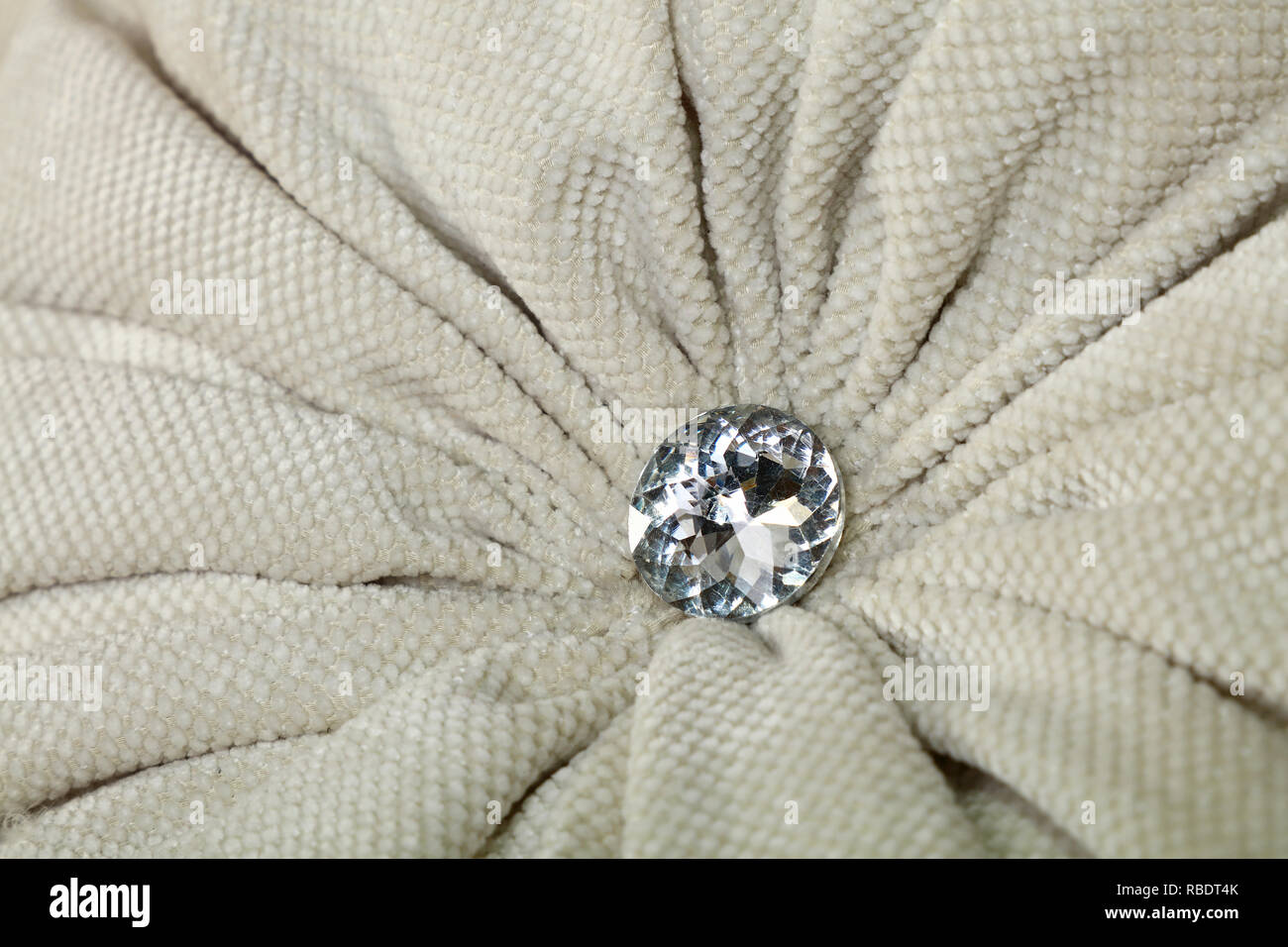 Close Up Rautenförmige Crystal Strass Oder Strass Dekoration Auf