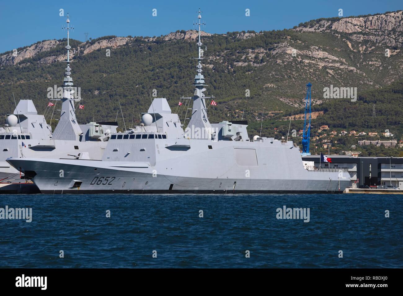 Die Fregatten der Provence in der Französischen Marine Base am Hafen von Toulon, Frankreich angedockt. Stockbild