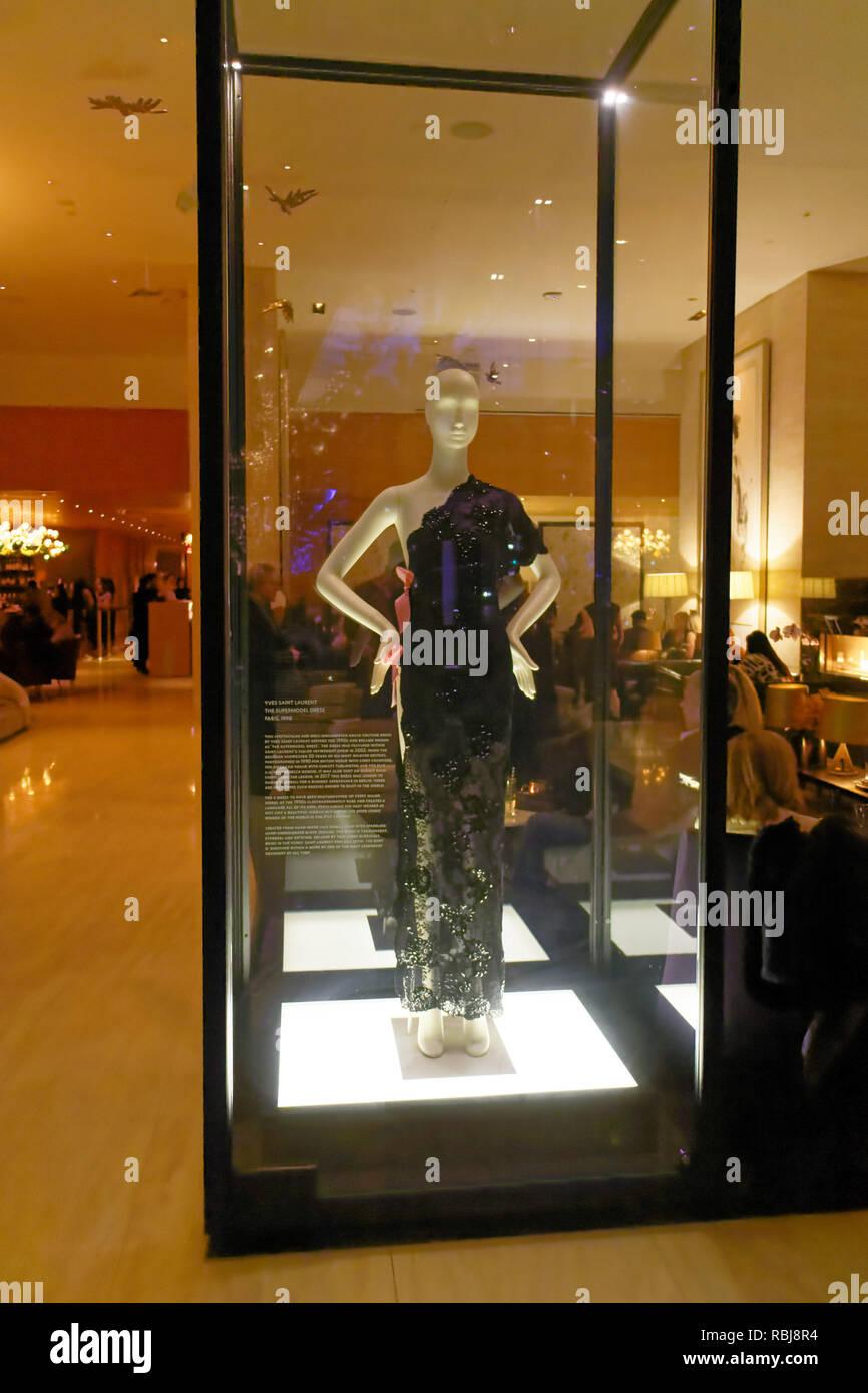 Das Supermodel Kleid von Yves Saint Laurent designer Kleid in ...
