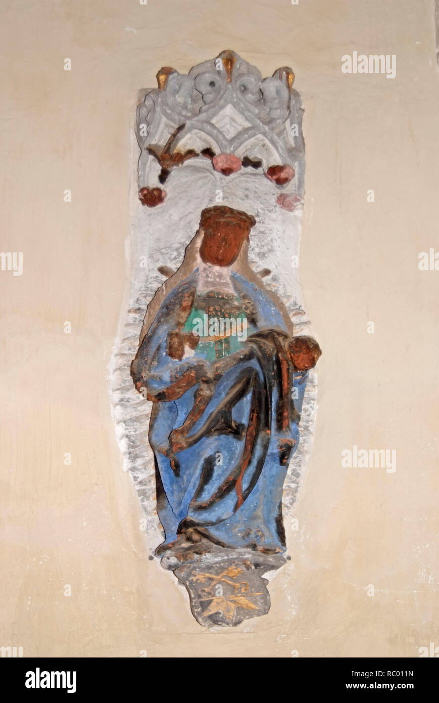 Oberkirche St. Nikolai, Maria als Himmelskönigin, spätes 15. Jahrhundert, dargestellt mit Baldachin und Wappensockel, Cottbus, Niederlausitz, Land Bra Stockbild