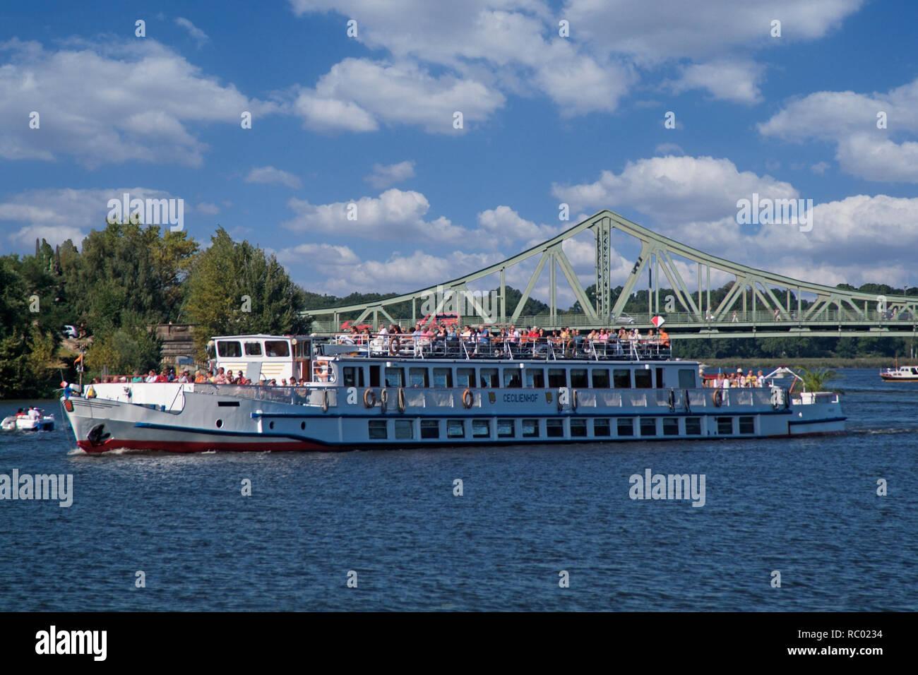 Glienicker Brücke Verbindung Berlin Potsdam über Die
