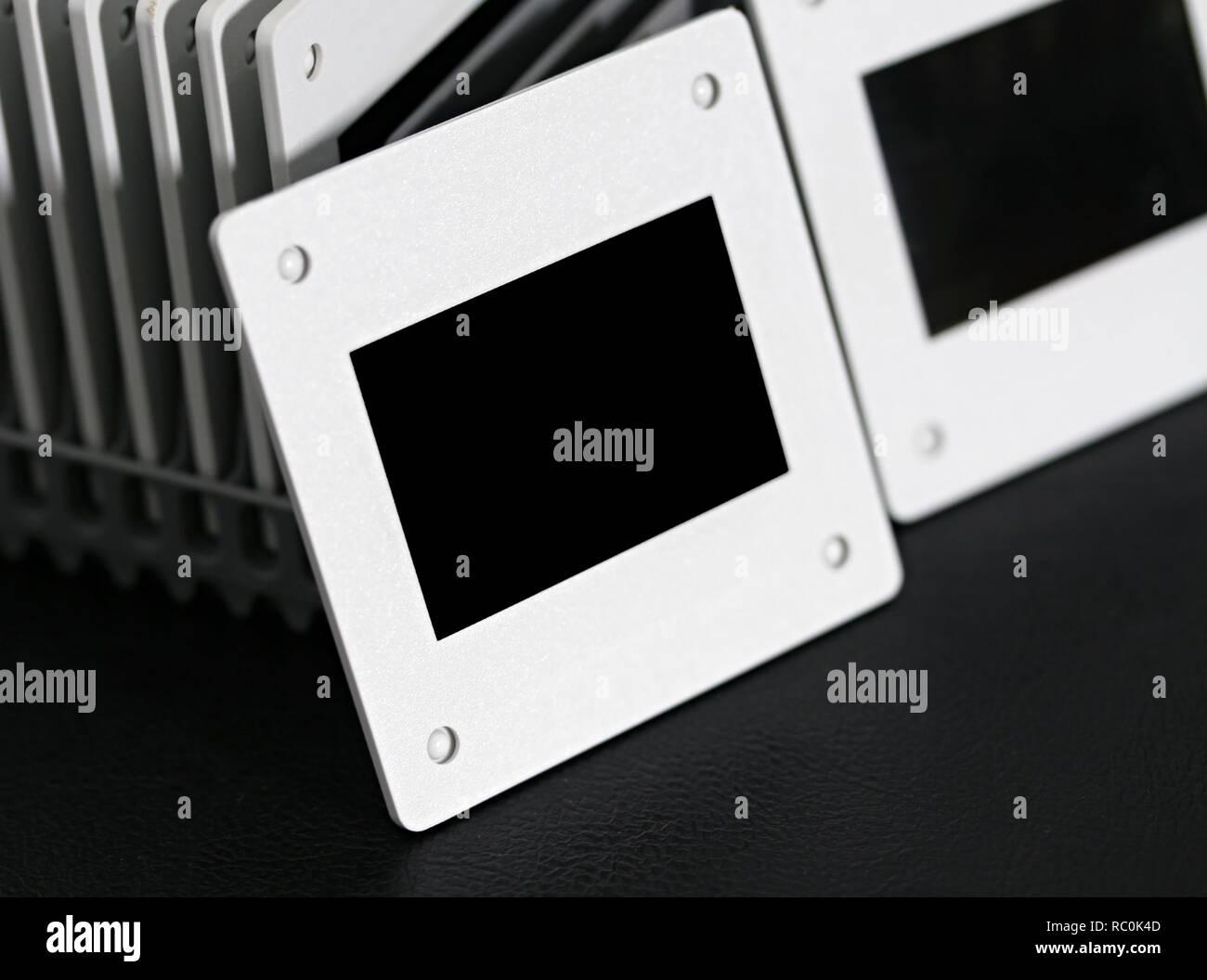 Nahaufnahme Diashow Filme auf Rack Projektor Haspel Jahrgang. Stockbild
