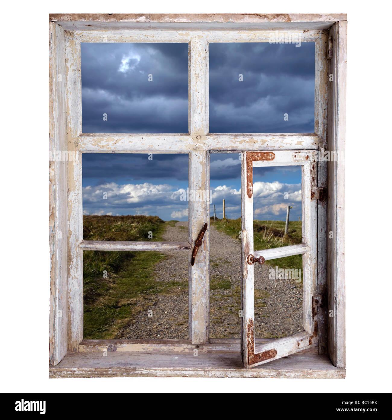 Fenster freigestellt, Blick in die Landschaft Stockbild